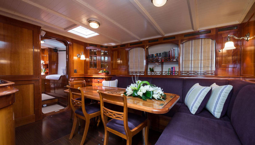 Emmaline yacht dining