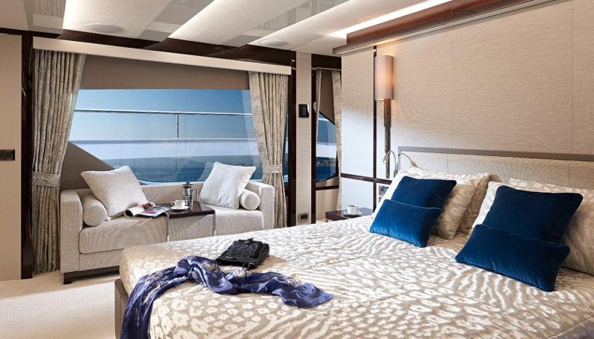 Sunseeker 95 yacht master bedroom
