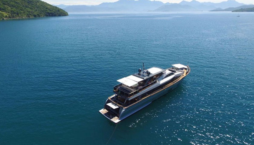 Saha yacht