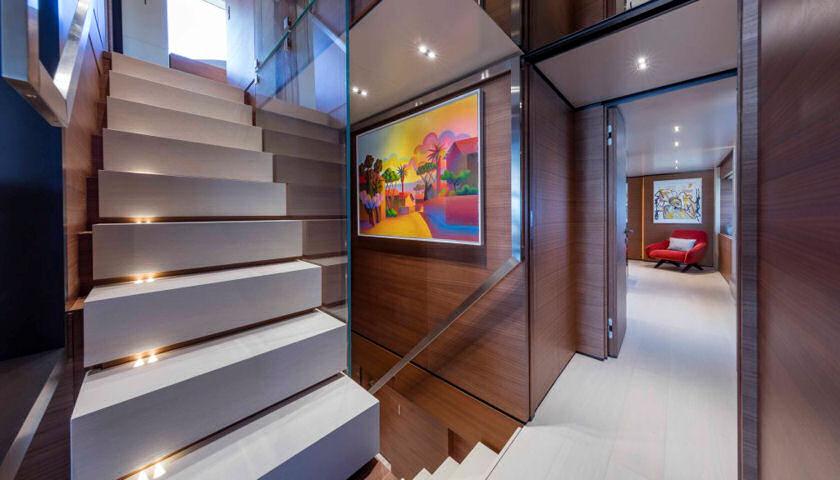 Navetta 33 stairs