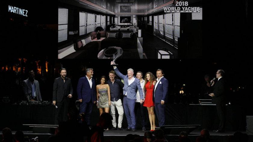 Pearl Yachts team accepts award
