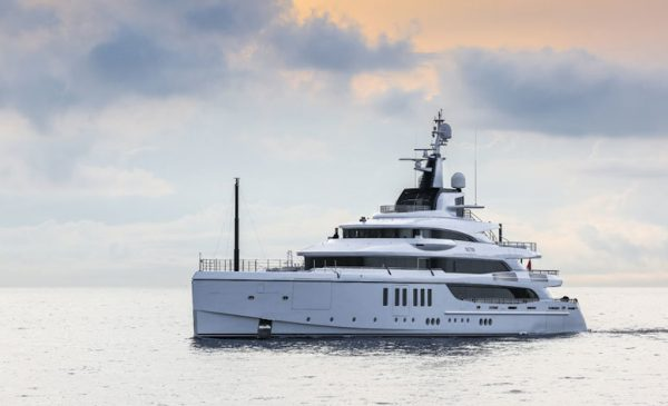 Benetti Delivers Superyacht FB 276 M/Y Metis