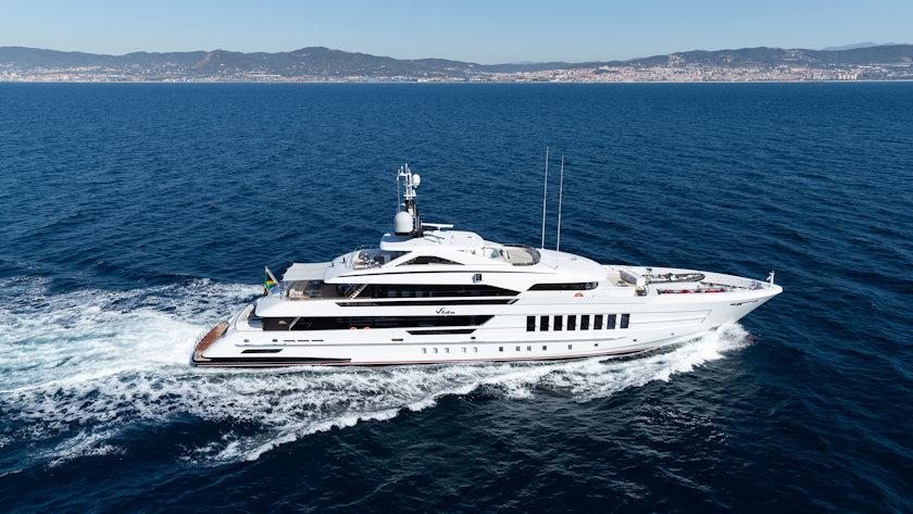 VIDA yacht aerial